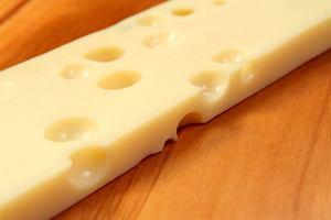 Alkohol w kuchni: jak dobrać wino do sera, ser ementaler