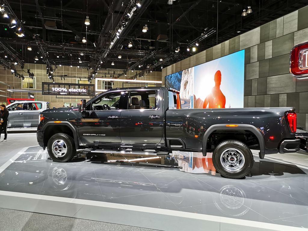 Salon Los Angeles 2019. Amerykańskie SUV-y, pickupy i muscle cary