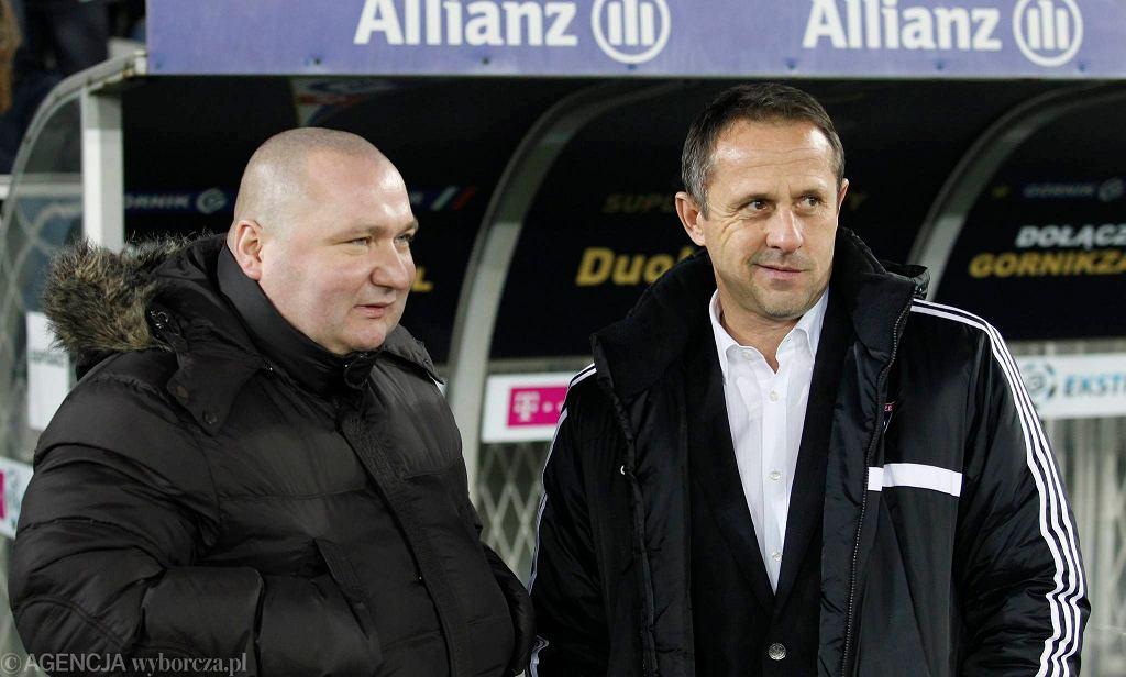 Krzysztof Maj (z lewej) i były trener Górnika Zabrze Robert Warzycha