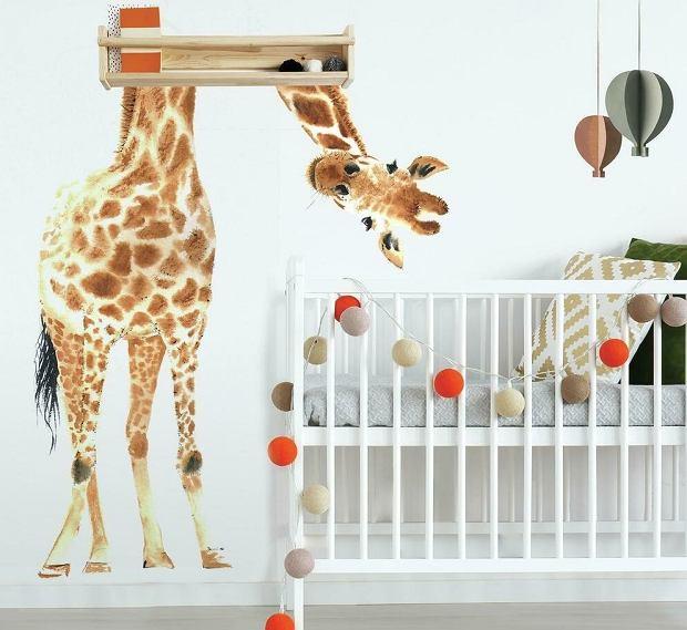 Naklejki na ściany do pokoju dziecięcego - pomogą zaaranżować bajkowe wnętrze. Jak je wykorzystać?