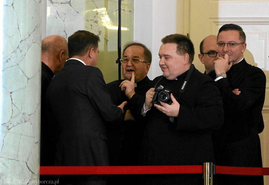 Tadeusz Rydzyk w Pałacu Prezydenckim podczas uroczystości desygnowania Beaty Szydło na premiera
