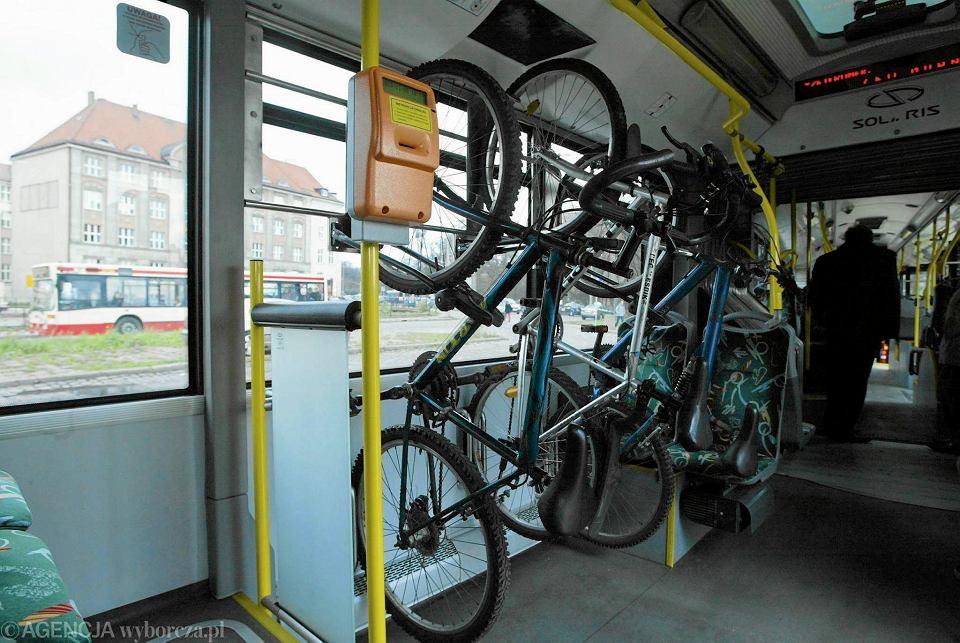 Wieszaki na rowery w gdańskich autobusach. Czy w Rzeszowie powinno przewozić się rowery w autobusach?