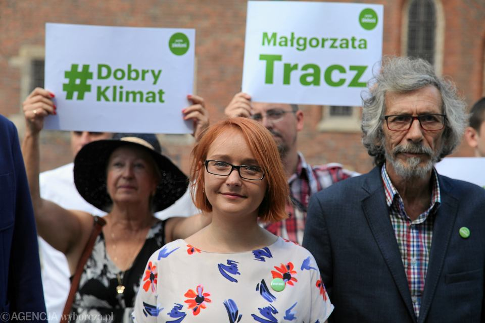 Małgorzata Tracz, kandydatka Partii  Zielonych na prezydenta Wrocławia podczas kampanii wyborczej  w lipcu 2018. Z prawej Marek Kossakowski.