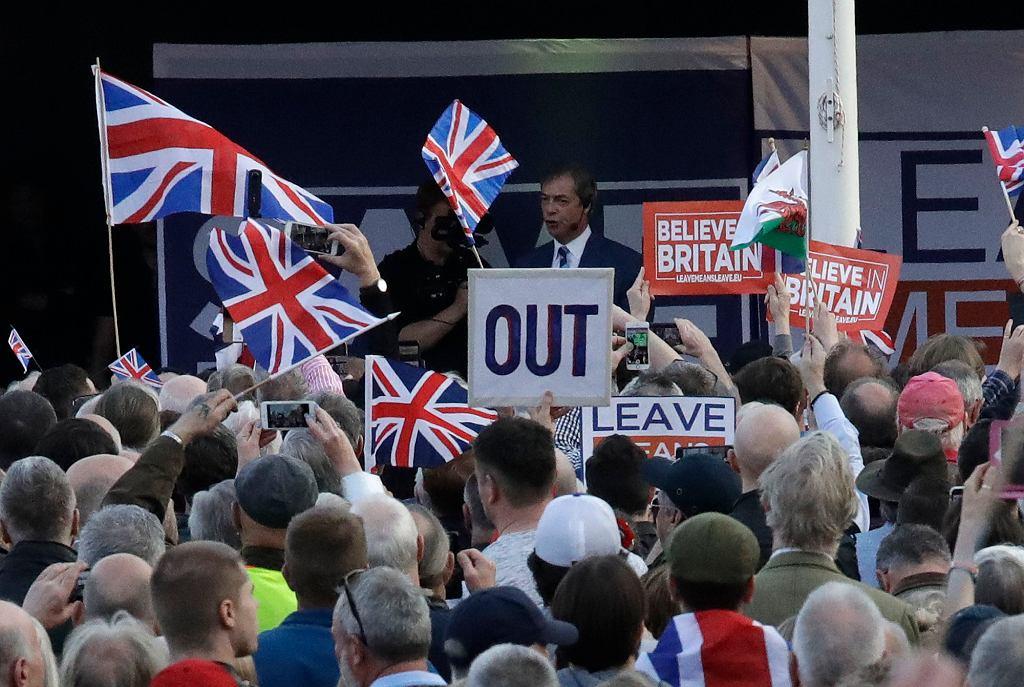 Brexit. Ruszyła rejestracja obywateli UE