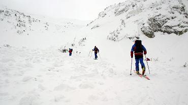 Sudety. W Chatce pod Śnieżnikiem znaleziono zwłoki mężczyzny (zdjęcie ilustracyjne)