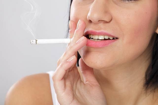 Palenie to nie tylko nawyk i przyjemność, ale przewlekła choroba. Nikotyna kontroluje procesy biochemiczne, jakie zachodzą w mózgu