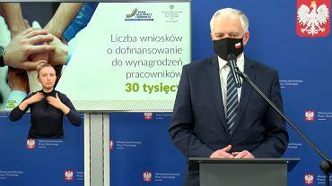Jarosław Gowin podczas konferencji prasowej