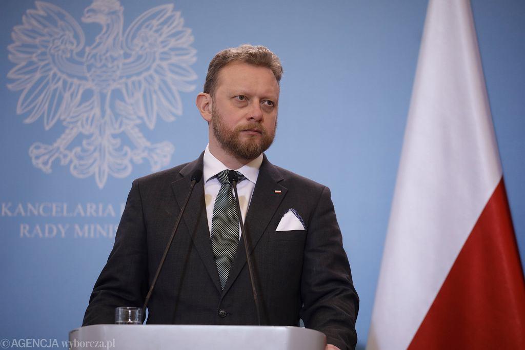 Minister zdrowia Łukasz Szumowski podczas konferencji prasowej dot. epidemii koronawirusa w Polsce. Warszawa, 11 marca 2020