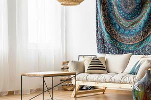 Jak urządzić mieszkanie w stylu boho? Kilka zasad, które musisz znać. Postaw na ciekawe wzory i dodatki!