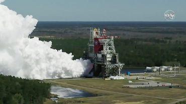 NASA przeprowadziła kluczowy test potężnej rakiety SLS. Ma zabrać ludzi na Księżyc