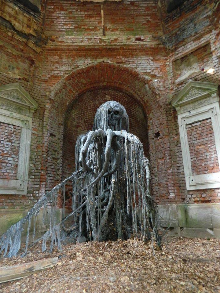 Potwór w mauzoleum