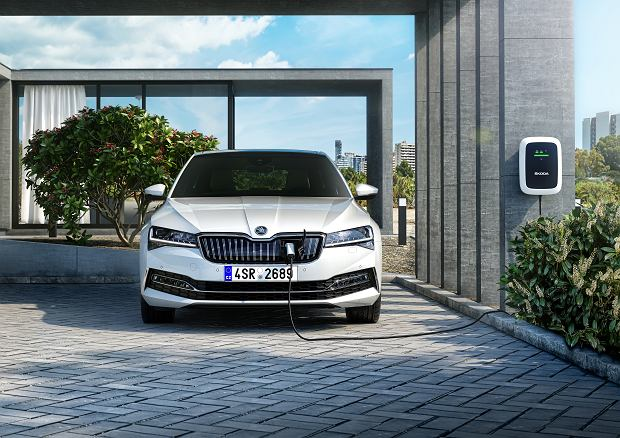 Skoda Superb iV, hybryda plug-in