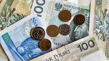 Od 1 stycznia 2020 roku pensja minimalna wzrosła do 2600 zł brutto, w górę poszły również stawki godzinowe