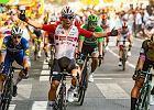 Wicelider Tour de France wziął udział w kraksie. Caleb Ewan wygrał 16. etap