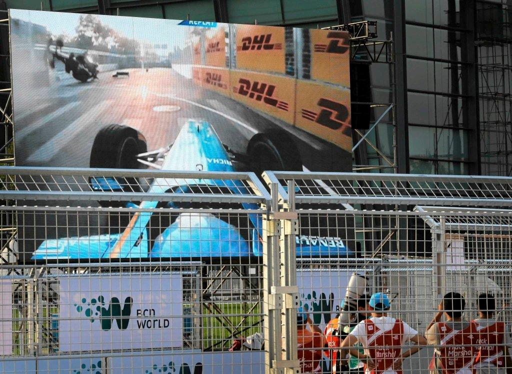 Kolizja Prosta i Heidfelda na telebimie w Pekinie