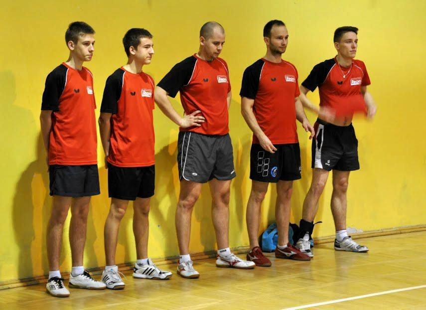 UKS Victoria Repro Płock. Stoją od lewej: Sebastian Jonczak, Przemysław Siemieniako, Michał Krzyżanowski, Maciej Chojnacki i Marcin Woskowicz