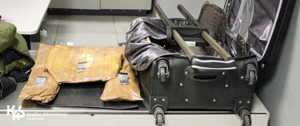 Na Lotnisku Chopina udaremniono przemyt heroiny. Zatrzymano Hiszpankę