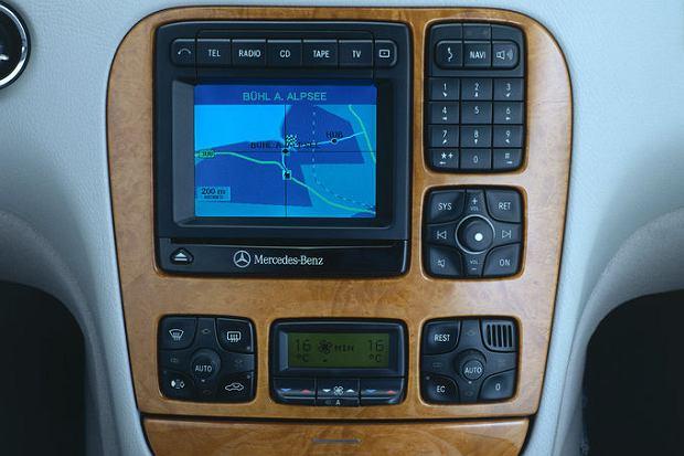 Mercedes W220 - system nawigacji