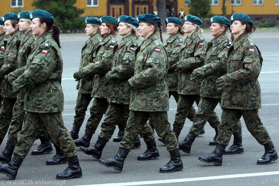Dziewczyny w szkole wojskowej już nikogo nie dziwią