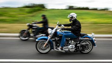 W weekend przy ulicy Ludwika Chmury 4 w Rzeszowie zaparkowała ciężarówka Harley On Tour wypełniona nowiutkimi maszynami, w tym Harleyami wyposażonymi w najnowszy silnik Milwaukee-Eight.