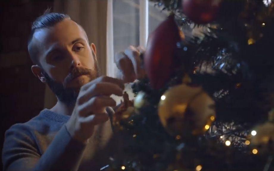 Reklama za 200 złotych wzruszyła miliony ludzi. To najpiękniejszy klip na Boże Narodzenie?