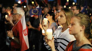 Demonstracja w Krakowie w obronie wolnych sądów.