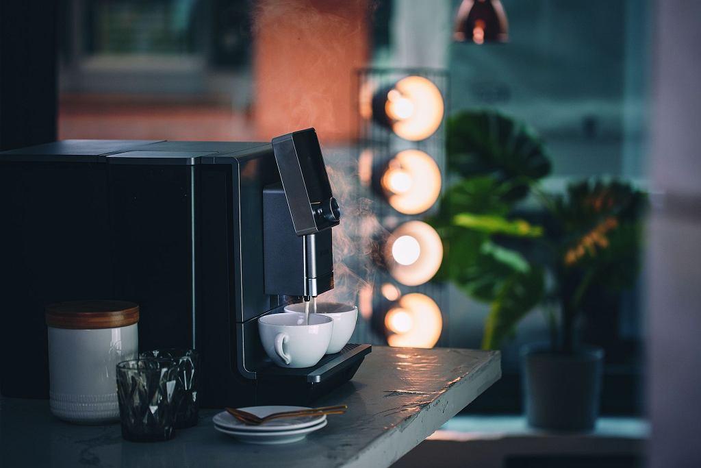 Ekspres do kawy Nivona CafeRomatica 930.