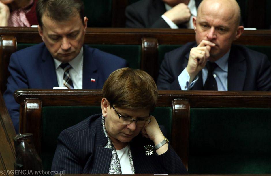Premier Beata Szydło ministrowie: Mariusz Błaszczak i Paweł Szałamacha