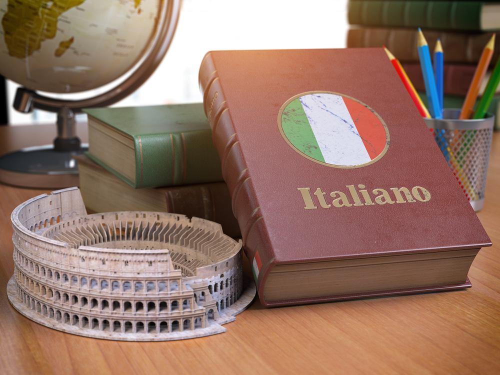 Zwroty po włosku: słówka przydatne na wakacjach w słonecznej Italii. Zdjęcie ilustracyjne