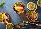 Jak zrobić mrożoną herbatę (ice tea)? Niezbędne składniki i dwa proste przepisy