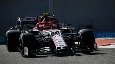 Robert Kubica w bolidzie Alfy Romeo Racing Orlen