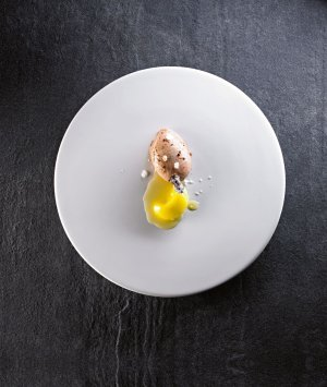 Baranie jądro, masło rozmarynowe, cukier lawendowy