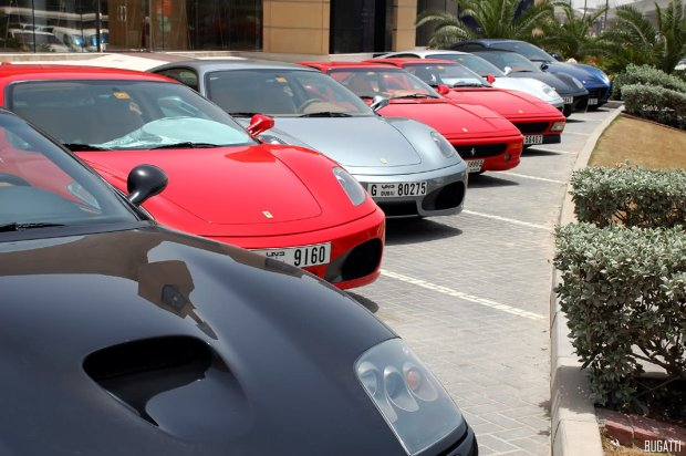 Ferrari w Dubaju