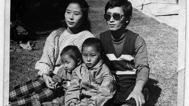 Yeonmi ze starszą siostrą i rodzicami w Hyesan, północnokoreańskim mieście na granicy z Chinami