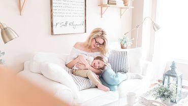 Przytulanie ma wpływ na rozwój dziecka.