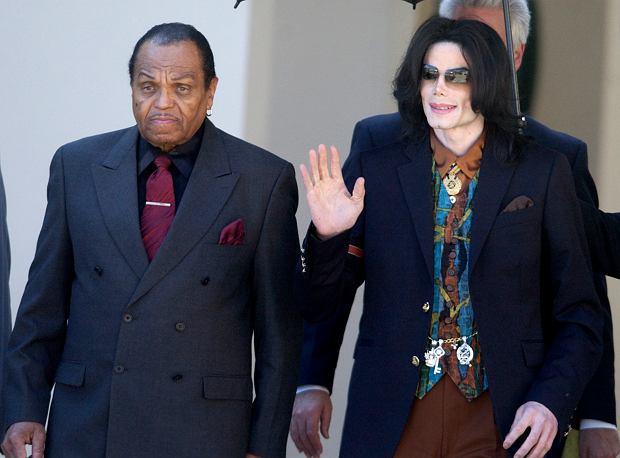 15.03.2005, Joe Jackson z synem Michaelem.