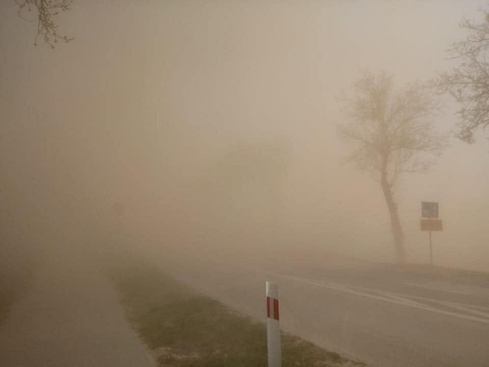 Burze piaskowe przechodzą nad Polską