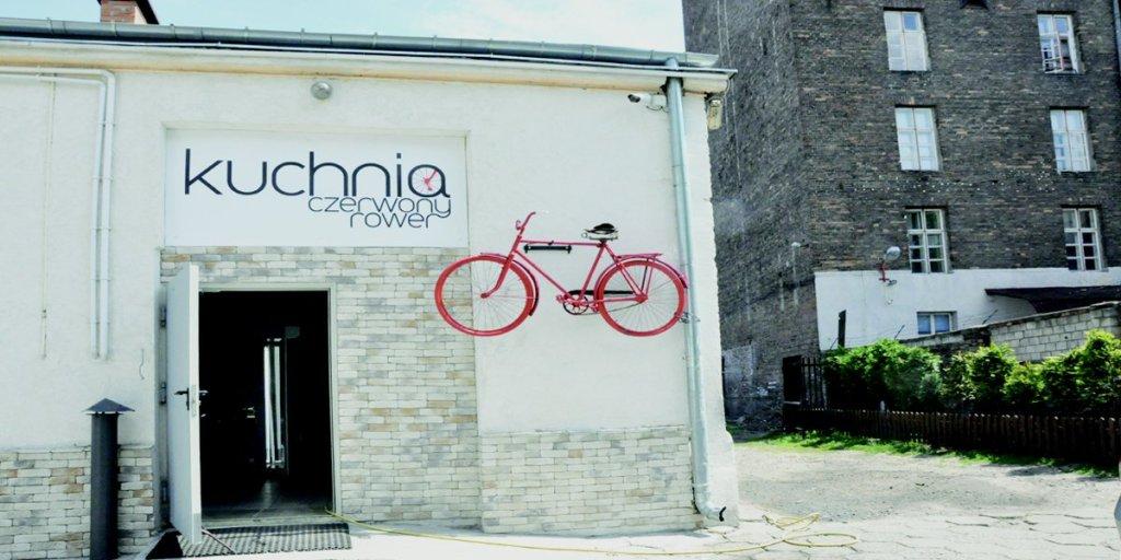 Kuchnia Czerwony Rower mieści się przy ul. Targowej 82