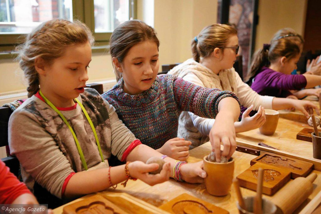 Uczniowie SP nr 4 w Inowrocławiu w ramach półkolonii odwiedzili m.in. Muzeum Toruńskiego Piernika przy ul. Strumykowej 4 / MIKOŁAJ KURAS