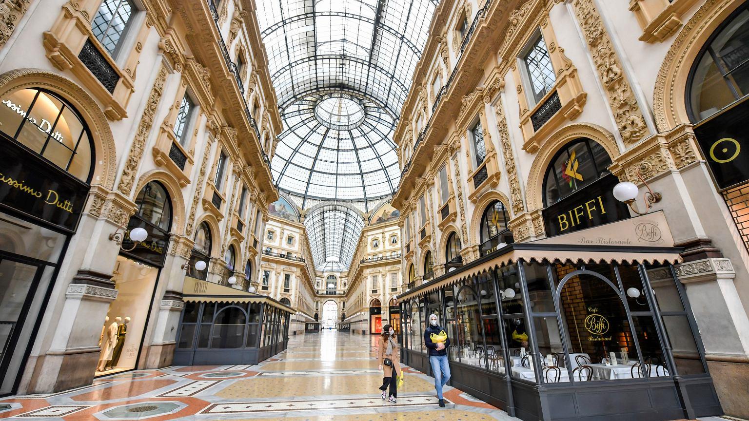 Koronawirus we Włoszech. Władze poleciły zamknąć hotele w Mediolanie. W Lombardii więcej zgonów niż w Chinach