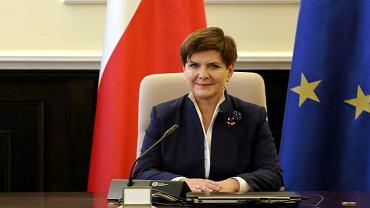 Beata Szydło pierwszy raz w fotelu premiera