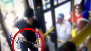 Szokujące wideo z ataku kiboli. Zatrzymano sprawców brutalnego napadu na nastolatków