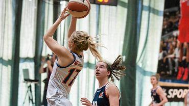 I LIGA koszykówki kobiet. Ksenia Zajączkowska (KKS Olsztyn) w akcji