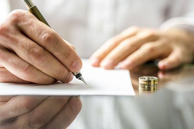 Dłużnik podarował dom żonie i podpisał z nią rozdzielność majątkową, żeby uciec przed wierzycielem. Ale komornik go przechytrzył