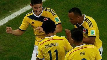 Taniec radości Kolumbijczyków. Z lewej autor dwóch bramek James Rodriguez. Kolumbia wygrała z Urugwajem 2:0 i zagra o półfinał z Brazylią