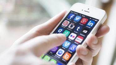 Post od urządzeń elektronicznych może przydać się zwłaszcza osobom, które pracują przed komputerem, stale są podłączone do sieci, nie tracą swojego smartfona z oczu