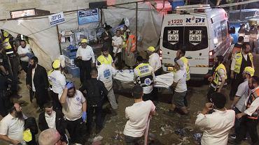 Izraelskie media informują o 38 ofiarach śmiertelnych paniki po zawaleniu się  trybuny podczas religijnego zgromadzenia pod górą Meron . Pogotowie ratunkowe twierdzi, że pod opieką lekarzy  są 103  ranne ofiary, 38 z nich w ciężkim stanie