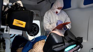Praca medyków w czasie epidemii koronawirusa