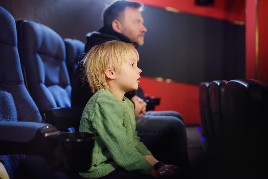 Kiedy jest Dzień Dziecka, a kiedy otwarte kina i baseny? Sprawdź obowiązujące obostrzenia i zrób dziecku niespodziankę