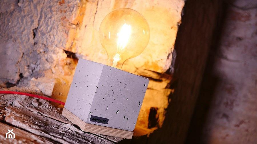Lampa betonowa moderno